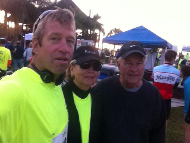 Mary Knowlton with her son Steve (left) and husband Gary (right). | Courtesy Steve Knowlton