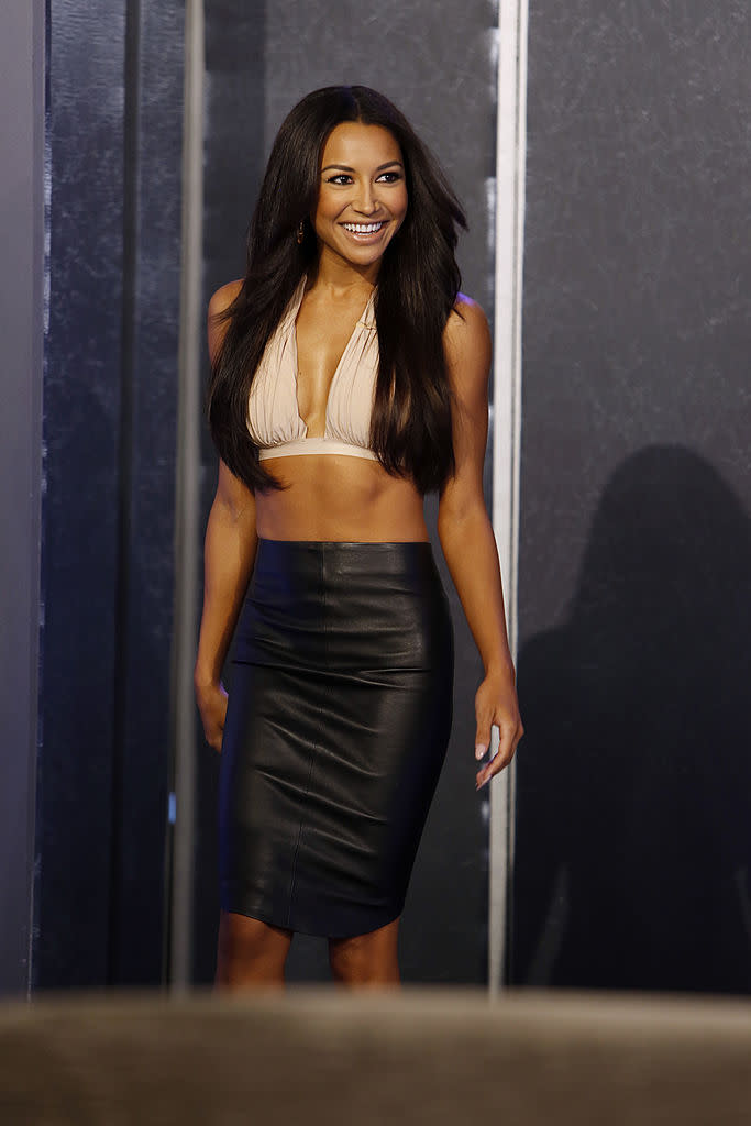 Naya Rivera in one of her favorite looks, talking to Jimmy Kimmel (Photo: Getty Images)