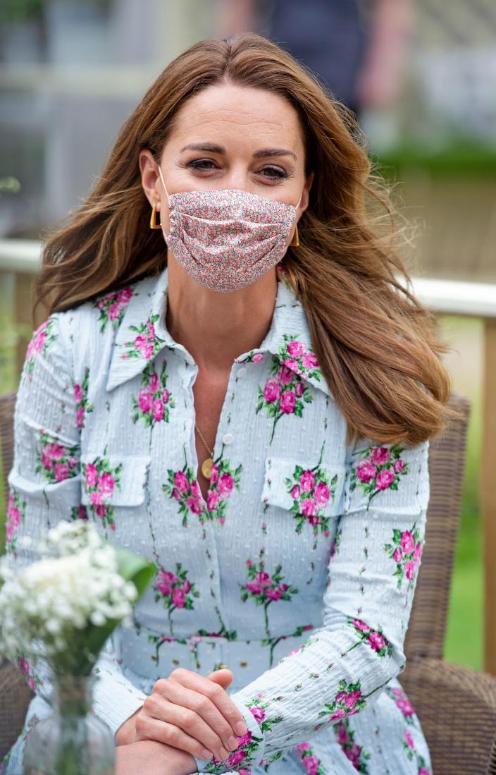 Kate wore the £15 face covering she had donned at the baby bank the day before. (Getty Images)