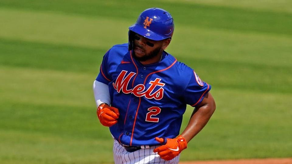 Dominic Smith rounds bases after hitting homer in 2021 spring training, close crop