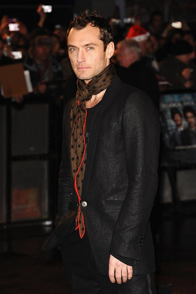 """<a href=""""http://movies.yahoo.com/movie/contributor/1800018936"""">Jude Law</a> at the London premiere of <a href=""""http://movies.yahoo.com/movie/1810045845/info"""">Sherlock Holmes</a> - 12/14/2009"""