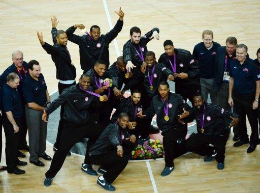 US players pose with their gold medals