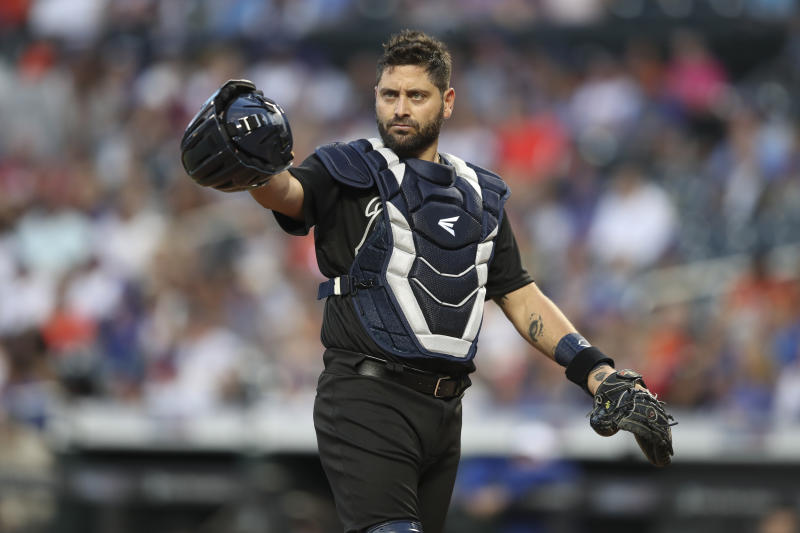 Atlanta Braves catcher Francisco Cervelli gestures toward the dugout during the first inning of the team's baseball game against the New York Mets, Saturday, Aug. 24, 2019, in New York. (AP Photo/Mary Altaffer)