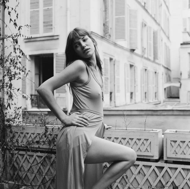<p>Actress and singer Jane Birkin photographed in 1971. Her style was so iconic, it inspired the ultra-coveted Birkin Bag. (Photo: Getty Images) </p>