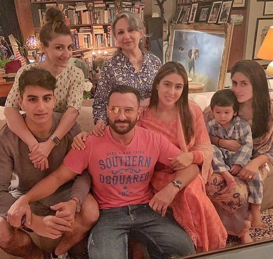 Bollywood actress Soha Ali Khan took to her Instagram account and shared an adorable photo with mom Sharmila Tagore, Saif Ali Khan-Kareena Kapoor Khan, Taimur Ali Khan, Sara Ali Khan and Ibrahim Ali Khan. (Image: Instagram)
