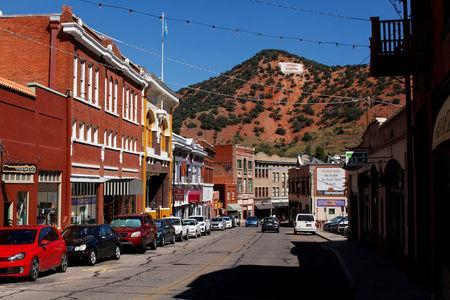 The town of Bisbee is seen in Arizona, United States, October 10, 2016. REUTERS/Mike Blake