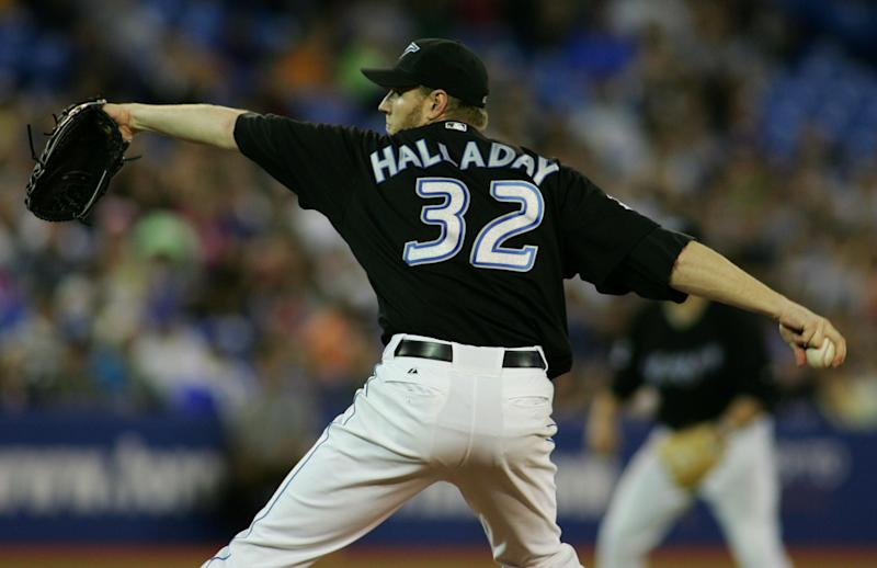 The Blue Jays announced plans to retire Roy Halladay's No. 32 on opening day. (Reuters)