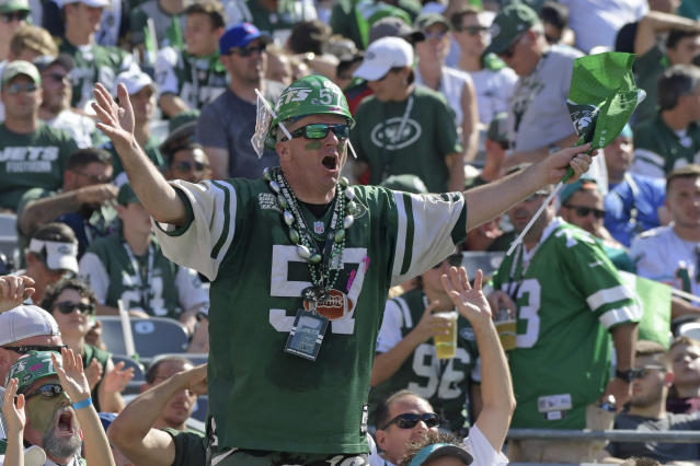 "<a class=""link rapid-noclick-resp"" href=""/nfl/teams/nyj"" data-ylk=""slk:Jets"">Jets</a> fans should really focus on the team's new quarterback. All else is secondary this season. (AP Photo/Bill Kostroun)"