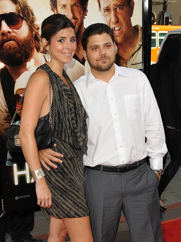 """<a href=""""http://movies.yahoo.com/movie/contributor/1808521758"""">Jamie-Lynn Sigler</a> and Jerry Ferrera at the Los Angeles premiere of <a href=""""http://movies.yahoo.com/movie/1810044687/info"""">The Hangover</a> - 06/02/2009"""