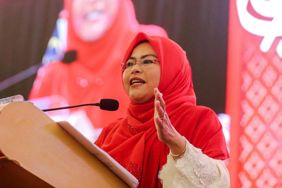 Wanita Umno chief Datuk Seri Noraini Ahmad lamented it is mostly male politicians who are party hoppers, unlike their female counterparts. — Picture by Firdaus Latif