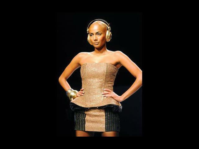 <b>5. Diandra Soares</b><br> Diandra was probably the first bald model to ever be seen on the runway. Huffington Post described her as the most beautiful bald model ever seen. Her knack for being passionately different led her to the top of her game.