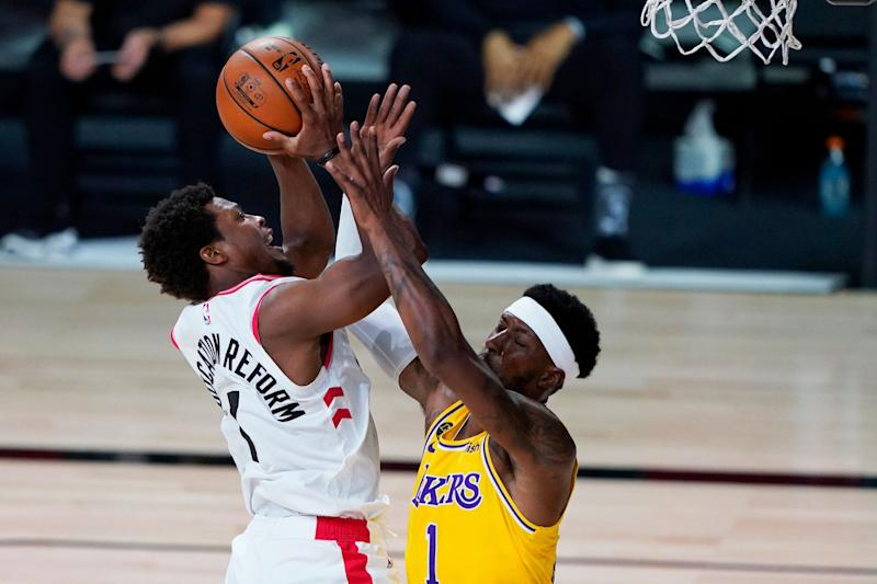 Kyle Lowry of the Raptors drives to the basket against Kentavious Caldwell-Pope of the Los Angeles Lakers during Saturday's game. (Photo: Pool via Getty Images)