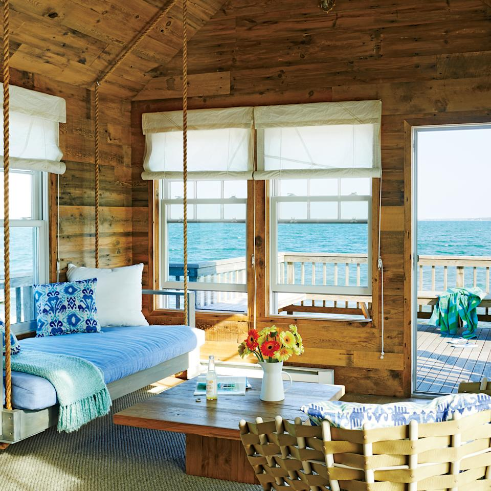 Seaside Cottage Living Room: 5 Tiny Coastal Cottages