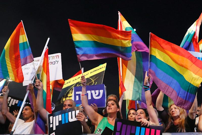 Thousands protest in Israel after gay couples denied surrogacy rights