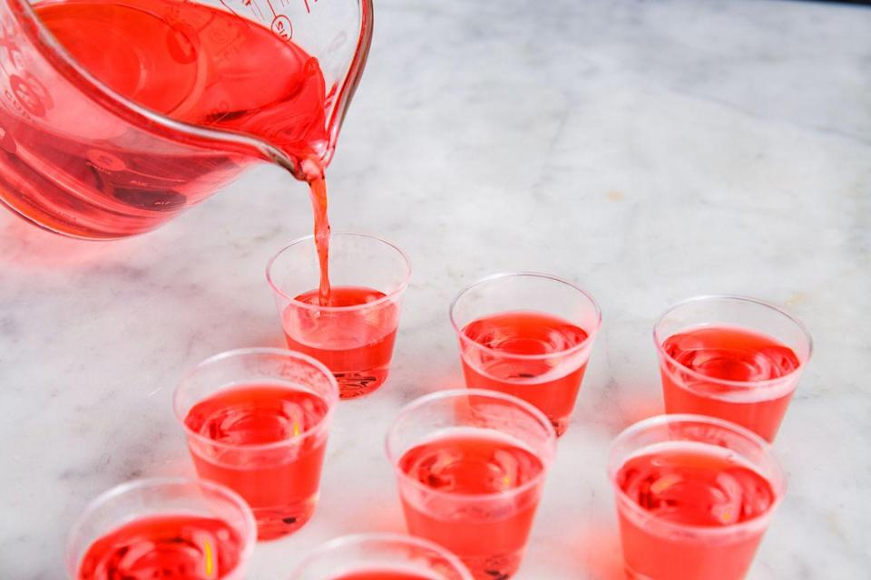"""<p>Let's start with the basics: Here's a step-by-step guide to making any kind of jello shot.</p><p>Get the directions from <a href=""""https://www.delish.com/kitchen-tools/kitchen-secrets/a25588385/how-to-make-jell-o-shots/"""" rel=""""nofollow noopener"""" target=""""_blank"""" data-ylk=""""slk:Delish"""" class=""""link rapid-noclick-resp"""">Delish</a>.</p>"""