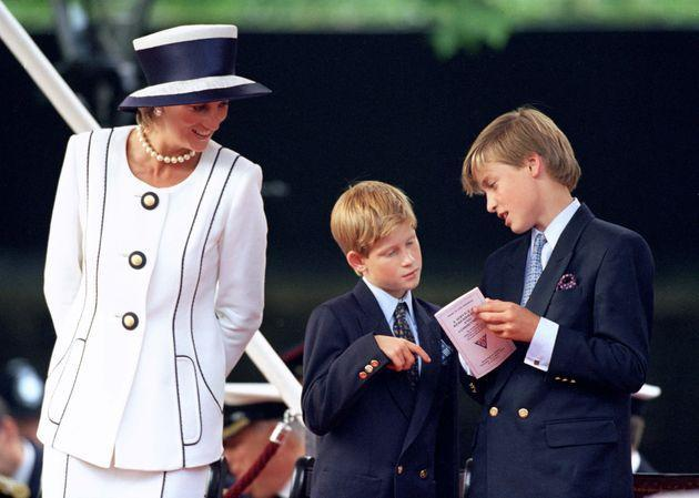 Princes William and Harry with their mom, the late Princess Diana, in 1995. (Photo: Antony Jones/Julian Parker via Getty Images)