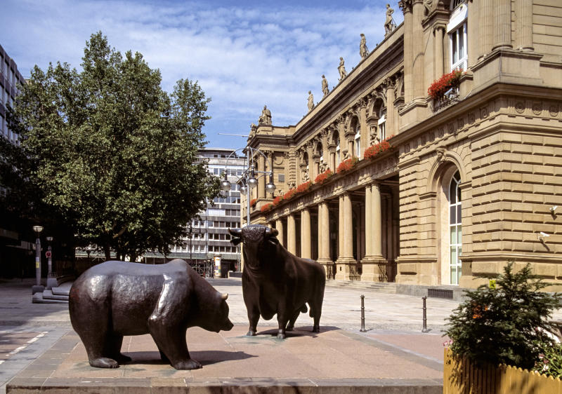 Bull and bear markets. Frankfurt, Germany. (Source: Getty)