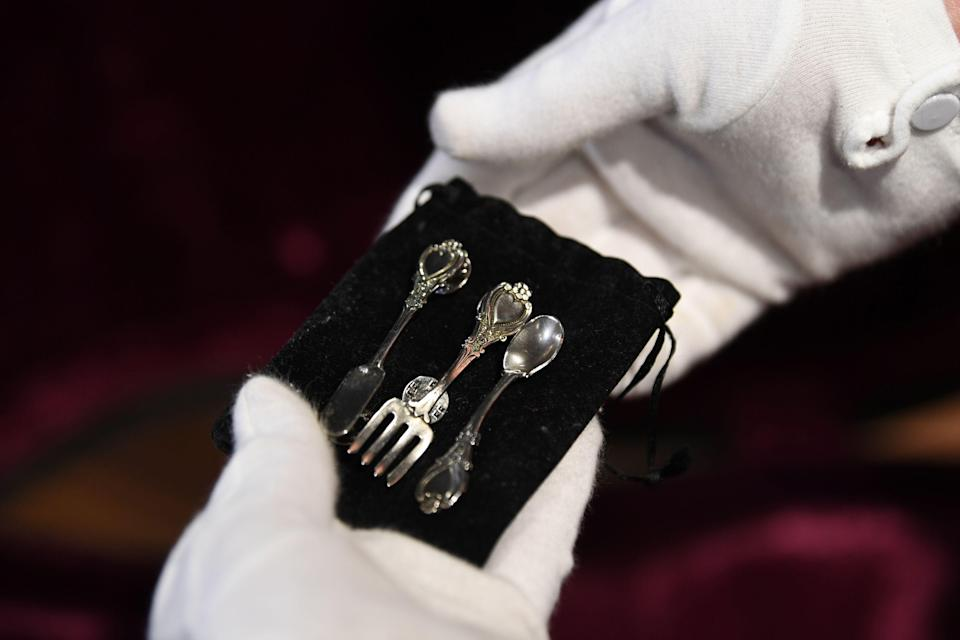 A small cutlery set found inside the original hard-shell case of the guitar used by musician Kurt Cobain during Nirvana's famous MTV Unplugged in New York concert in 1993, is pictured at the Hard Rock Cafe Piccadilly Circus in central London on May 15, 2020, prior to the auction of the guitar in Beverly Hills in June. - The 1959 Martin D-18E featured in the band's performance in November 1993, five months before Cobain's death at the age of 27. (Photo by DANIEL LEAL-OLIVAS / AFP) (Photo by DANIEL LEAL-OLIVAS/AFP via Getty Images)