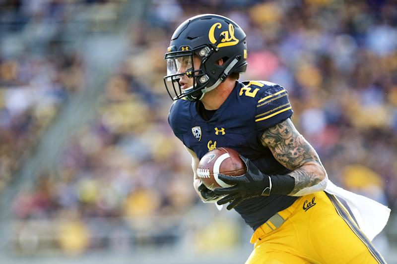 BERKELEY, CA - OCTOBER 27: California Golden Bears safety Ashtyn Davis (27) returns a kickoff during the California Golden Bears game versus the Washington Huskies on October 27, 2018, at Memorial Stadium in Berkeley, CA (Photo by Matt Cohen/Icon Sportswire via Getty Images)