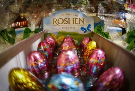 Chocolates are seen on display at a Roshen Confectionery Corporation store in Kiev in this March 31, 2014 file photo. REUTERS/Shamil Zhumatov/Files