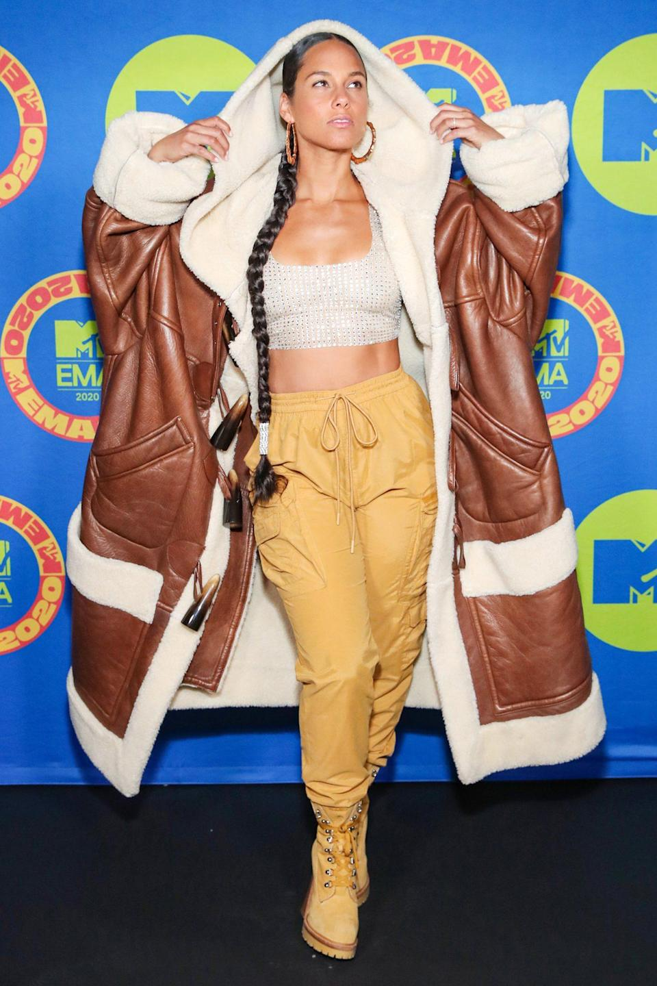 <p>Alicia Keys makes a statement in an oversized coat at the MTV EMAs in L.A. on Sunday.</p>