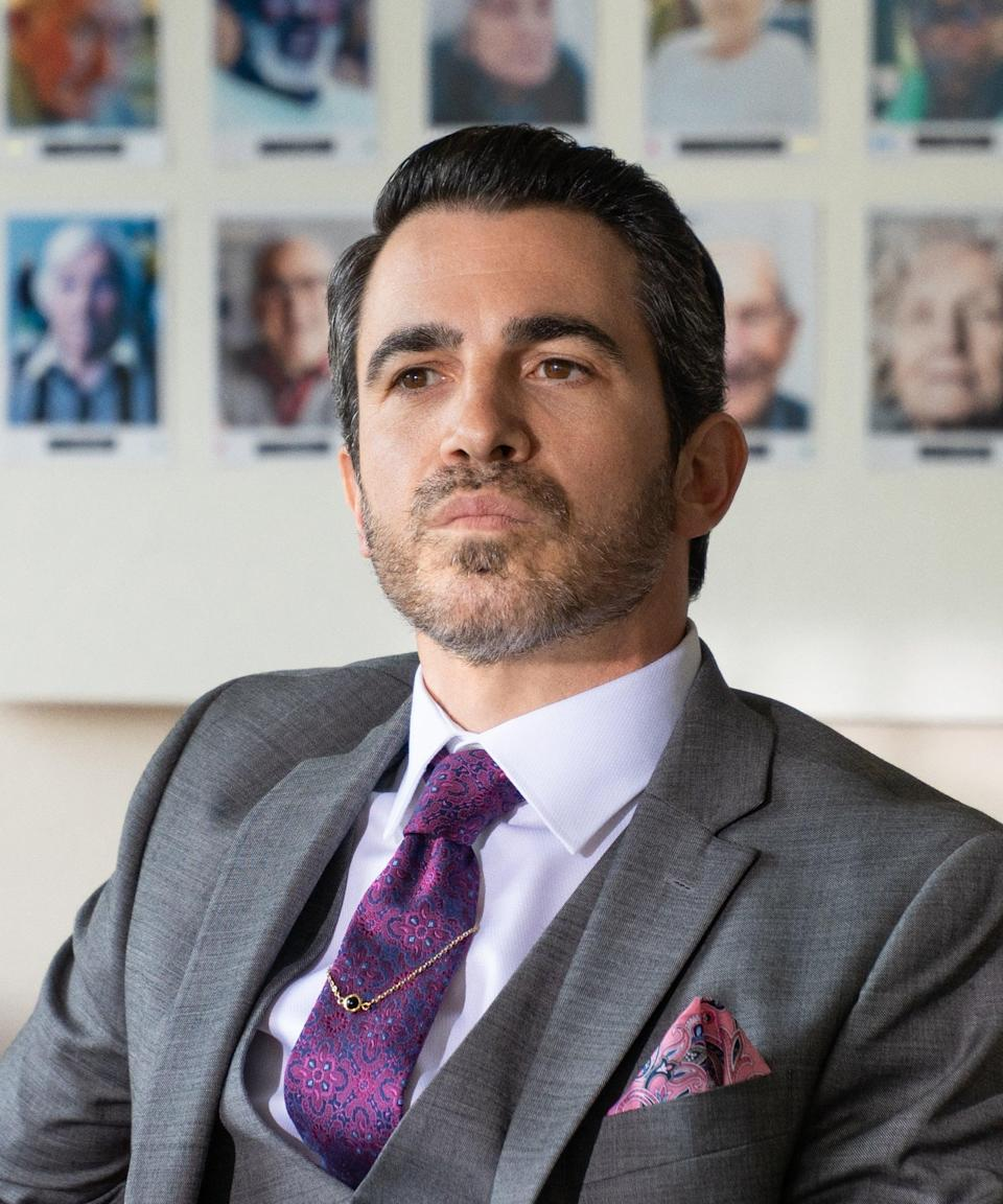 "<h2>Chris Messina plays Dean Ericson</h2><br><strong>Who is Dean?</strong><br>A shark of a lawyer who has been hired to help Jennifer get out of Marla's clutches, but like everyone else, is intentions might not be all that pure.<strong><br><br>Messina's greatest hits: </strong>He's become one of the internet's favourite Hollywood Chrises starring in <em><a href=""https://www.refinery29.com/en-us/2017/11/181007/mindy-project-finale-ending-recap-danny-back-together"" rel=""nofollow noopener"" target=""_blank"" data-ylk=""slk:The Mindy Project"" class=""link rapid-noclick-resp"">The Mindy Project</a>, <a href=""https://www.refinery29.com/en-us/2018/08/208269/series-finale-sharp-objects-appreciation"" rel=""nofollow noopener"" target=""_blank"" data-ylk=""slk:Sharp Objects"" class=""link rapid-noclick-resp"">Sharp Objects </a></em>and <em><a href=""https://www.refinery29.com/en-us/2020/02/9389521/cathy-yan-birds-of-prey-harley-quinn-movie-director"" rel=""nofollow noopener"" target=""_blank"" data-ylk=""slk:Birds Of Prey"" class=""link rapid-noclick-resp"">Birds Of Prey</a>. </em><span class=""copyright"">Photo: Courtesy of Netflix.</span>"