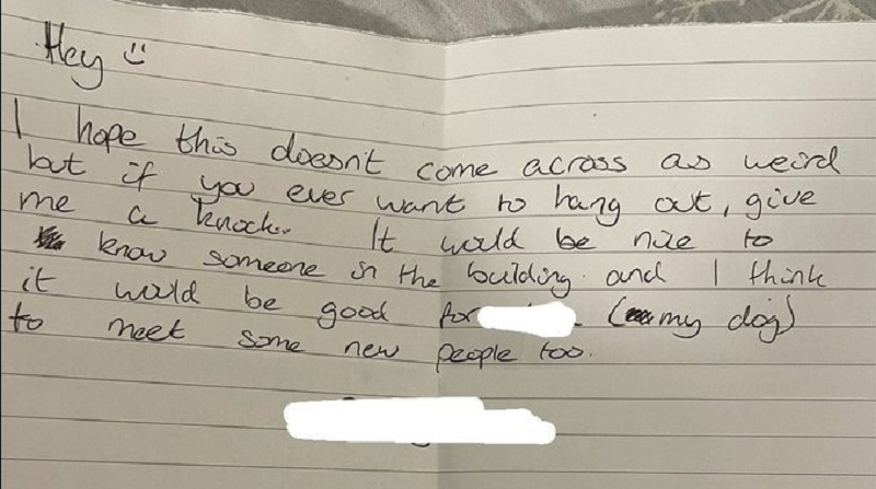 A neighbour left a note offering their shoulder to Harry Joe after hearing him cry during a karaoke session. ― Picture via Twitter/@_harry_96