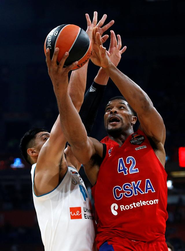 Basketball - EuroLeague Final Four Semi Final A - CSKA Moscow vs Real Madrid - ?Stark Arena?, Belgrade, Serbia - May 18, 2018 CSKA Moscow's Kyle Hines in action with Real Madrid's Gustavo Ayon REUTERS/Alkis Konstantinidis