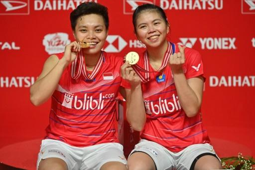 Indonesia's Greysia Polii (R) and Apriyani Rahayu claimed victory in the women's doubles