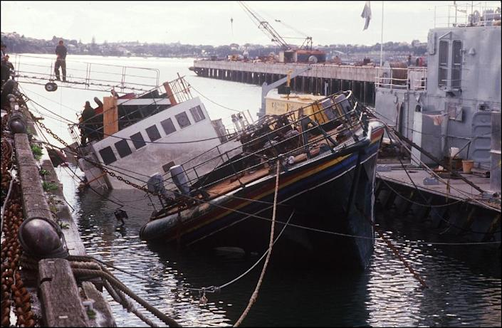 The Greenpeace boat 'Rainbow Warrior' lies half sunk following an attack by the French secret service in Auckland, on August 14, 1985 (AFP Photo/Patrick Riviere)
