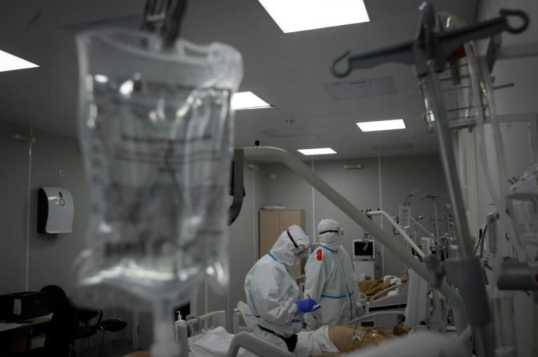 While the hospital set up in the Sokolniki exhibition center is a makeshift facility, the 350 medical workers are well-prepared and have access to protective equipment, X-ray machines for chest scans and mobile labs