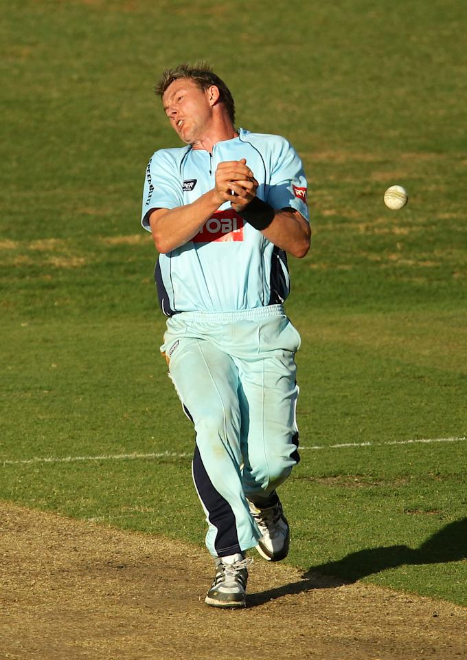 SYDNEY, AUSTRALIA - DECEMBER 12: Brett Lee of the Blues drops a catch off his own bowling in the final over during the Ryobi One Day Cup match between the New South Wales Blues and the South Australian Redbacks at North Sydney Oval on December 12, 2010 in Sydney, Australia. (Photo by Matt King/Getty Images)