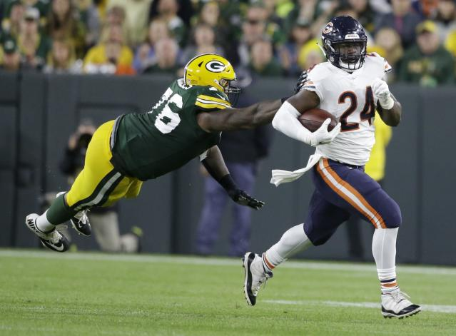 Jordan Howard could be someone worth buying after five weeks of the season. (AP Photo/Jeffrey Phelps)