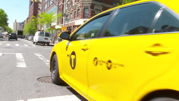 When the pandemic spurred an economic shutdown, ridership for New York City taxis plummeted 90%. / Credit: CBS News