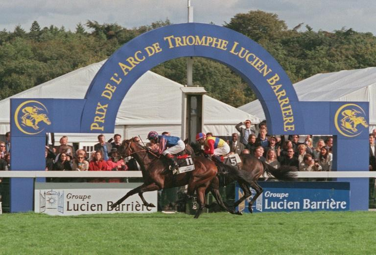 Montjeu edged Japanese runner El Condor Pasa in the 1999 Prix de l'Arc de Triomphe and the winning trainer John Hammond told AFP Japan's Deep Bond has a great chance of becoming their first winner on Sunday (AFP/Jack GUEZ)