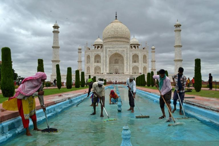 India is expected to give away 500,000 free tourist viss to attract visitors (AFP/Pawan SHARMA)