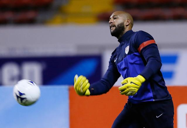 SAN JOSE, COSTA RICA - SEPTEMBER 05: Tim Howard of the United States warms up during the United States Training Session at Estadio Nacional on September 5, 2013 in San Jose, Costa Rica. (Photo by Kevin C. Cox/Getty Images)