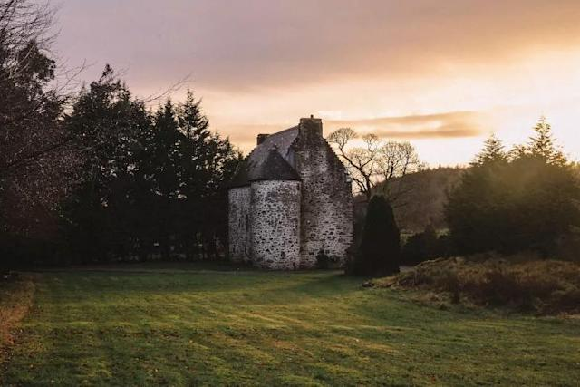 <p>The final pick is a stunning castle in western Scotland, with three bedrooms, for $297 a night. </p>