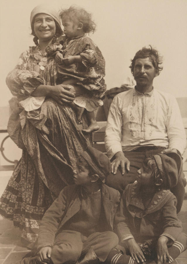 <p>Gypsy family. (Photograph by Augustus Sherman/New York Public Library) </p>