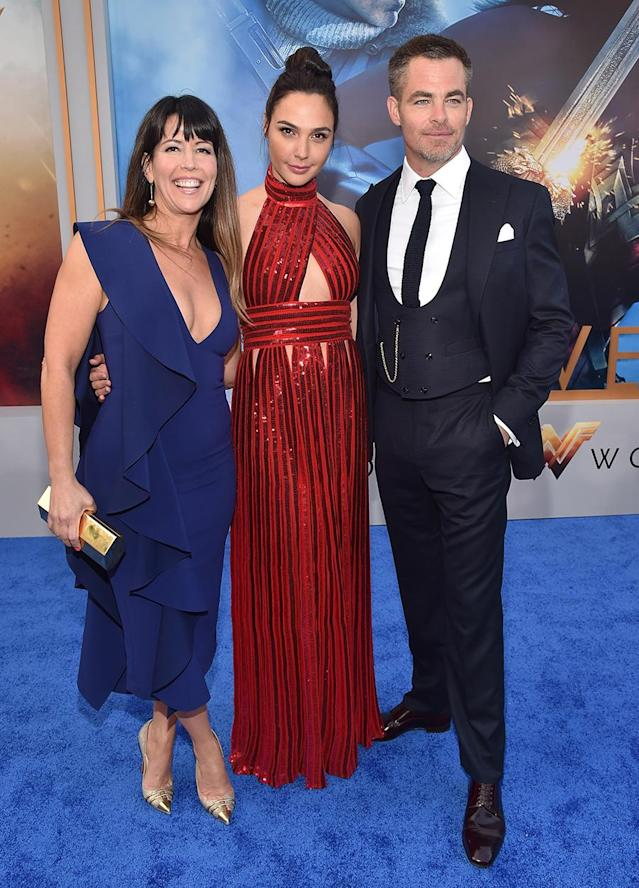<p>Pine and Gadot pose with their director Patty Jenkins. (Photo: Alberto E. Rodriguez/Getty Images) </p>