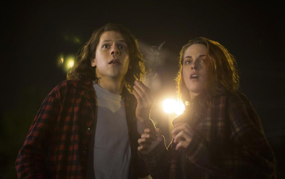 <p>Who can forget Mike and Phoebe's matching flannels in 2015's <strong>American Ultra</strong>? K-Stew and Jesse Eisenberg both rock the oversize, open flannel and plain tee look.</p>