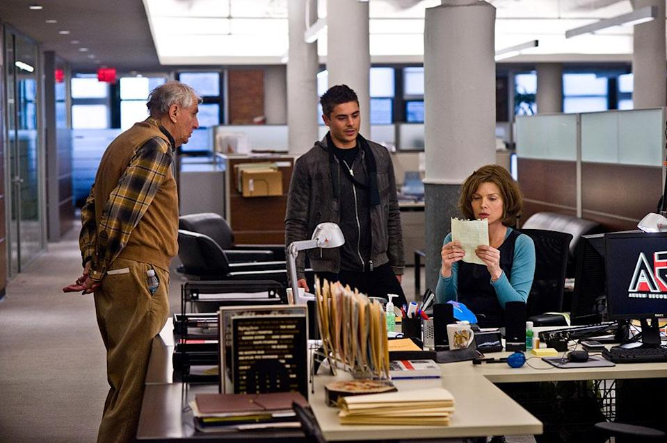 <p>Even more critically panned than its predecessor, Marshall's Dec. 31-set effort was nonetheless a hit ($142 million domestically). It brought together numerous A-listers for tales about people on New Year's Eve, including Halle Berry, Robert De Niro, Zac Efron, Sarah Jessica Parker, Michelle Pfeiffer and Hilary Swank. <i>(Photo: Everett Collection)</i></p>