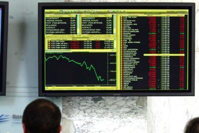Borsa: Ftse Mib rimbalza, +10% per Intesa e UniCredit