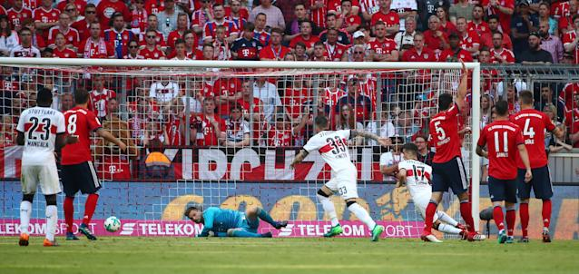 Soccer Football - Bundesliga - Bayern Munich v VfB Stuttgart - Allianz Arena, Munich, Germany - May 12, 2018 Stuttgart's Daniel Ginczek in action before scoring their fourth goal REUTERS/Michael Dalder DFL RULES TO LIMIT THE ONLINE USAGE DURING MATCH TIME TO 15 PICTURES PER GAME. IMAGE SEQUENCES TO SIMULATE VIDEO IS NOT ALLOWED AT ANY TIME. FOR FURTHER QUERIES PLEASE CONTACT DFL DIRECTLY AT + 49 69 650050