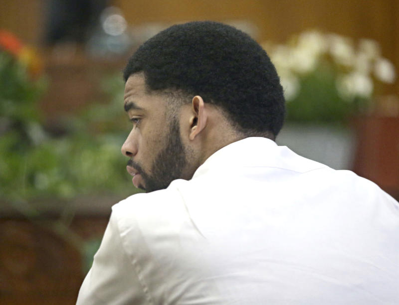 Swift acquittal for former Milwaukee cop charged in shooting