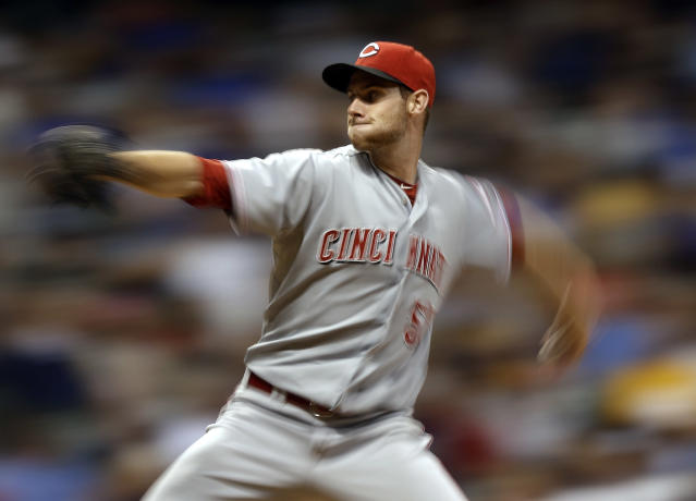 Cincinnati Reds starting pitcher Tony Cingrani throws during the seventh inning of a baseball game against the Milwaukee Brewers on Thursday, Aug. 15, 2013, in Milwaukee. (AP Photo/Morry Gash)
