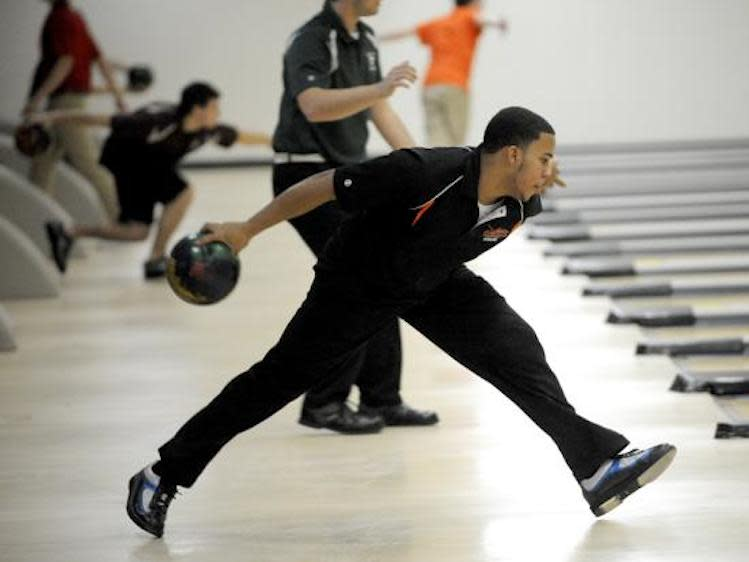 Illinois state bowling champion Josh Glover fulfilled a promise to his mom he would bowl a perfect 300 -- Chicago Sun-Times