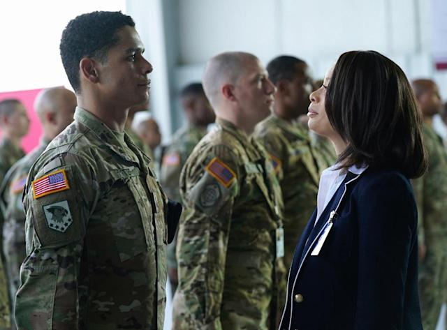 Charlie Barnett as Ian and Valarie Pettiford as Simone Porter in 'Valor' (Photo: Quantrell Colbert/The CW)