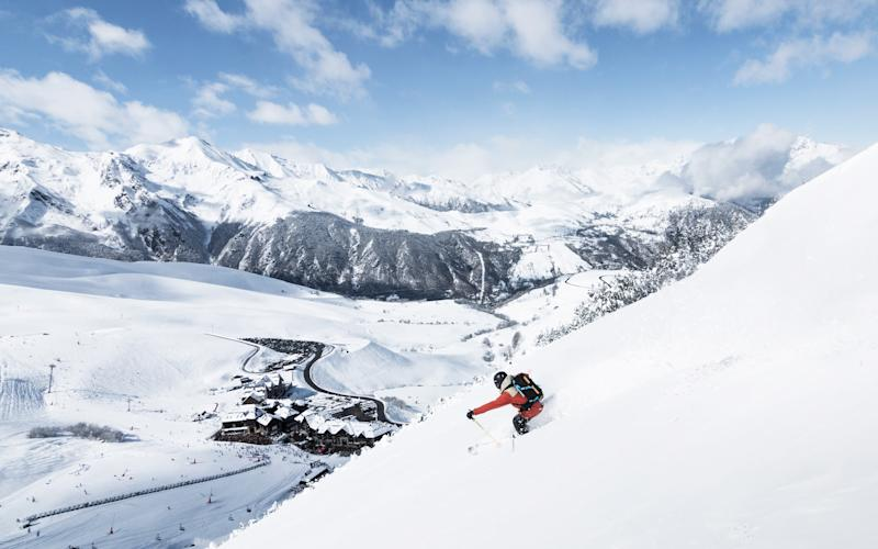 Peyragudes is one of a number of resorts in the Pyrenees many skiers and snowboarders haven't heard of - © Thibault Adam