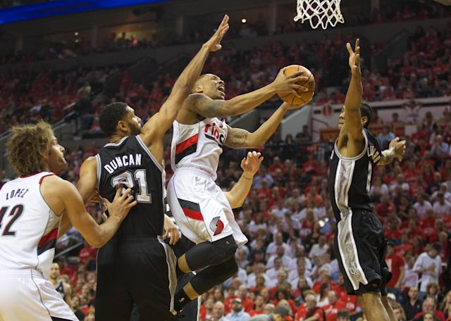 Damian Lillard's tough finishes help Blazers avoid the sweep vs. Spurs